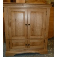 Custom oak tv unit with doors